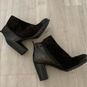 Paul Green made in Austria leather booties